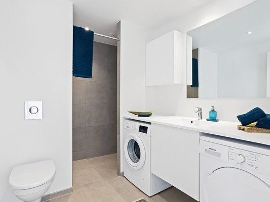 Charles Hope Apartments Copenhagen West 3 Bedroom Apartment Utility Room Shower Room