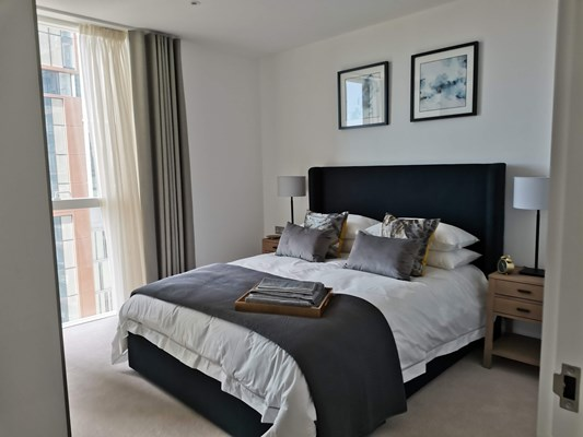 Charles Hope Canary Wharf Bedroom1