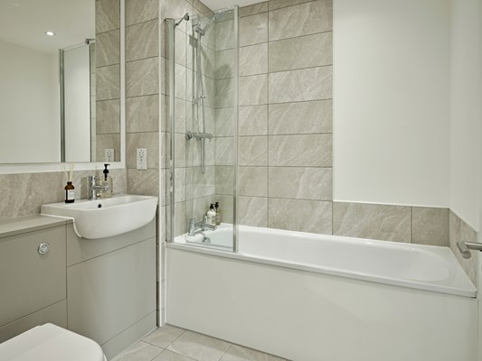 Harles Hope Media City Apartments 2 Bedroom Apartment Bathroom 1